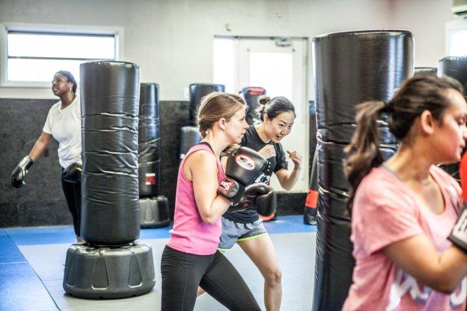 womens-kickboxing-pentagon-mma